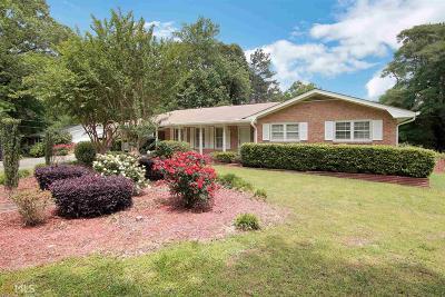 Stone Mountain Single Family Home For Sale: 1634 Rhonda Ln