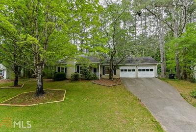 Roswell Single Family Home For Sale: 350 Tyson Cir