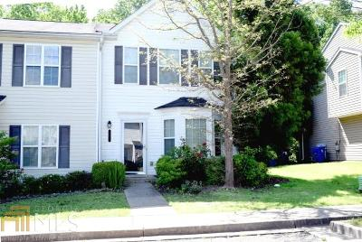 Condo/Townhouse Sold: 781 SW Crestwell Cir