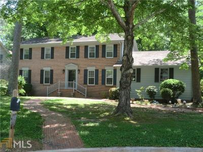 Conyers Single Family Home Under Contract: 609 Sugar Creek Trl