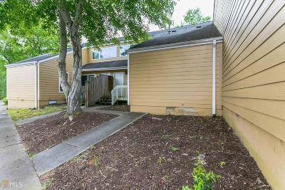Lawrenceville Condo/Townhouse For Sale: 32 Sandalwood Cir