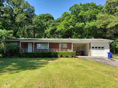 Fayetteville Single Family Home For Sale: 665 Bradley Dr