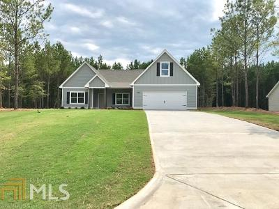 Lagrange Single Family Home For Sale: 200 Fenwick Farms Dr