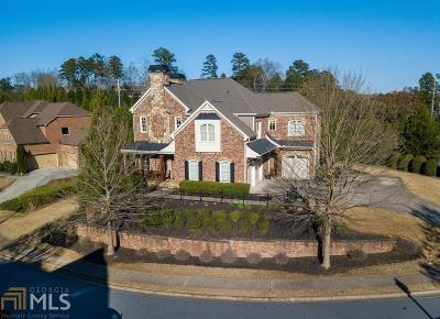 Suwanee Single Family Home For Sale: 330 Andelle Ave