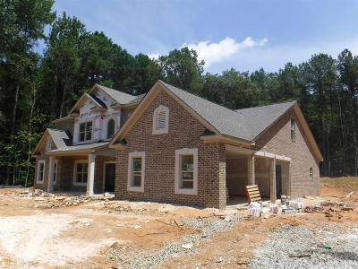 Fayetteville Single Family Home For Sale: 365 Revenna Trl