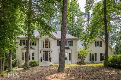 Sandy Springs Single Family Home For Sale: 9520 Roberts Dr