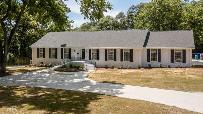 Loganville Single Family Home For Sale: 425 Conyers Rd