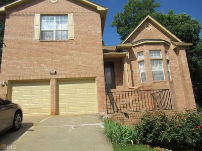 Lithonia Single Family Home For Sale: 588 Woodstone Dr
