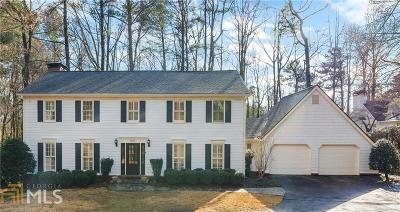 Roswell, Sandy Springs Single Family Home For Sale: 6275 River Overlook Dr