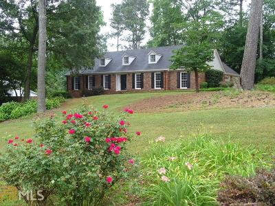 Marietta Single Family Home For Sale: 2709 Pinestream Dr