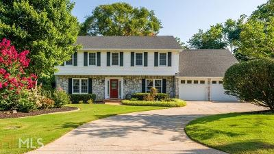 Roswell Single Family Home New: 340 Meadowood Dr