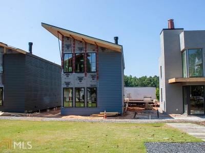 Fayetteville Single Family Home For Sale: 137 Ravenhurst Ln