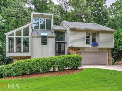 Roswell Single Family Home For Sale: 2704 Long Lake Dr