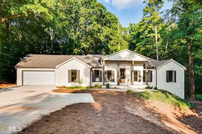 Roswell, Sandy Springs Single Family Home For Sale: 5555 Lake Forrest Dr