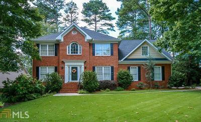Lilburn Single Family Home For Sale: 1070 Cedar Bluff Trl