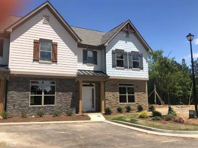 Covington Condo/Townhouse For Sale: 7704 Fawn Cir