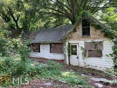 Grove Park Single Family Home For Sale: 666 S Eugenia Pl
