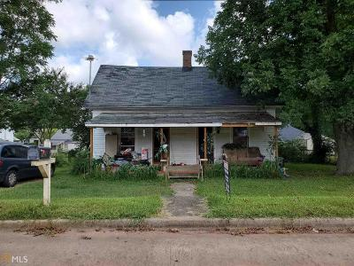 Griffin Single Family Home For Sale: 129 Peachtree St