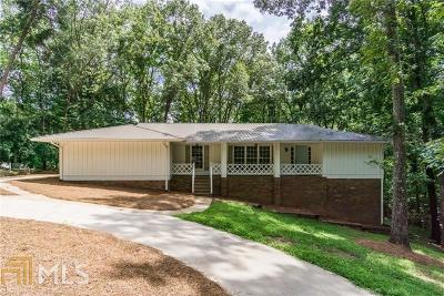 Gainesville Single Family Home For Sale: 1060 Farmhouse Rd