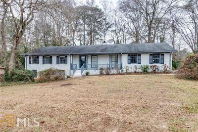 Cobb County Single Family Home New: 240 E Valley Dr