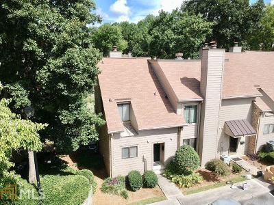 Vinings Condo/Townhouse For Sale: 3706 Stonewall Cir