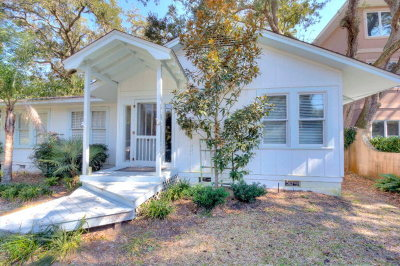 East Beach Single Family Home For Sale: 1706 Bruce Drive