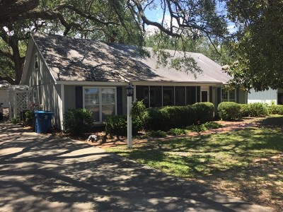 East Beach Single Family Home For Sale: 1825 Bruce Drive
