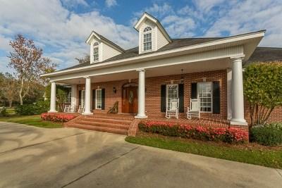 Brunswick Single Family Home For Sale: 121 Clipper Bay