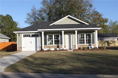 Darien Single Family Home For Sale: 300 Bridgewater Lane