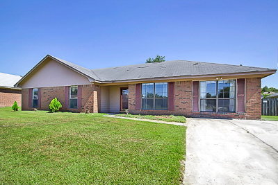 Hinesville Single Family Home For Sale: 836 Sagewood Drive