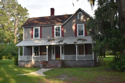 Ludowici Single Family Home For Sale: 135 McQueen Street SW