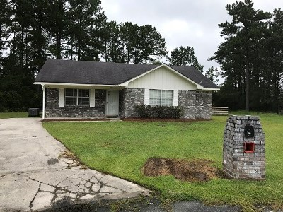 Long County Single Family Home For Sale: 320 West Kenny Drive