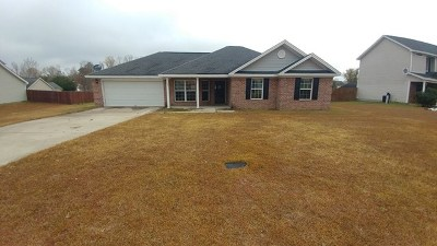 Single Family Home For Sale: 130 Auburn Circle