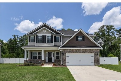 Oak Crest Single Family Home For Sale: 911 Oak Crest Drive