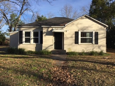 Glennville Single Family Home For Sale: 207 North Church Street