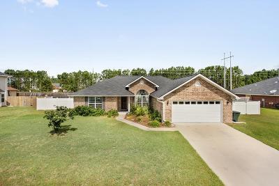 Hinesville Single Family Home For Sale: 705 Auburn Cove
