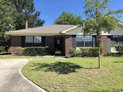 Single Family Home For Sale: 12 Peach Court