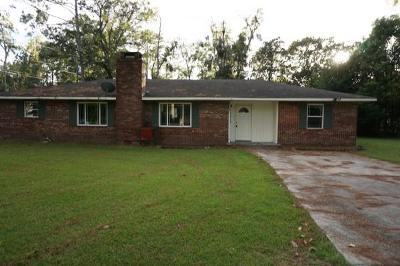 Long County Single Family Home For Sale: 106 Gill Street SW