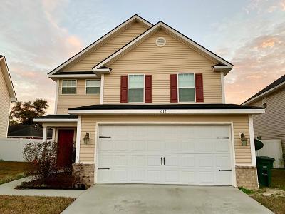 Griffin Park Single Family Home For Sale: 617 Amhearst Row
