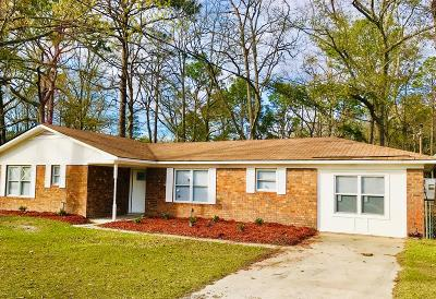 Hinesville Single Family Home For Sale: 818 Debbie Drive