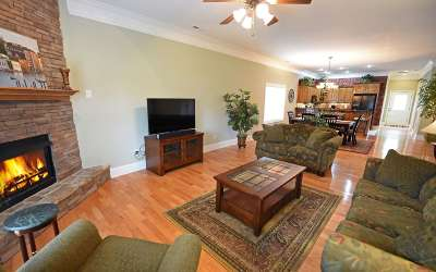 Young Harris Single Family Home For Sale: 1649d Lakeview Dr Bdg. 10