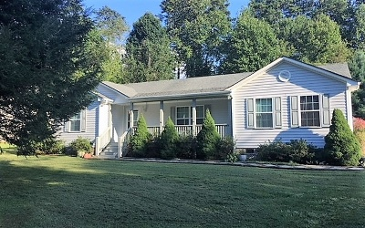 Hayesville Single Family Home For Sale: 330 Rivers Edge Drive