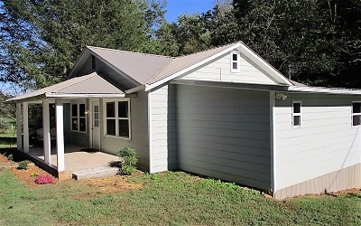 Hayesville Single Family Home For Sale: 1909 Qualla Road
