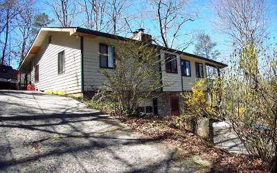 Robbinsville Single Family Home For Sale: 64 Goldfinch Lane