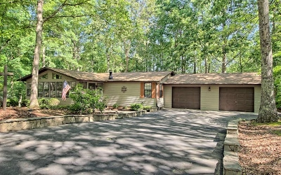 Blairsville Single Family Home For Sale: 742 Lakeside Drive