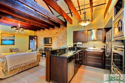 Savannah Condo/Townhouse For Sale: 104 W Broughton Street #C