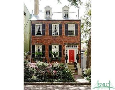Single Family Home For Sale: 11 E Jones Street