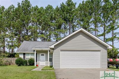 Single Family Home For Sale: 106 Mustang Drive