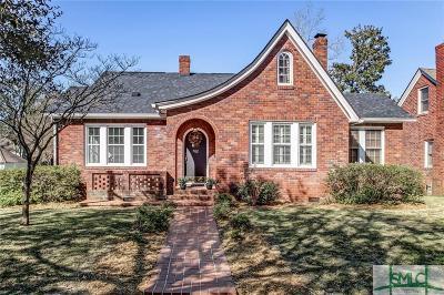 Single Family Home For Sale: 702 E 52nd Street