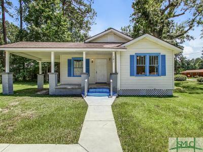 Garden City Single Family Home For Sale: 161 Smith Avenue